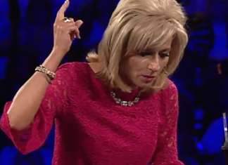 30 Spectacular Beth Moore Quotes