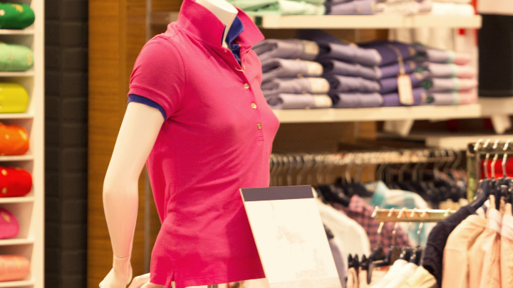 19 Online Apparel Industry Statistics and Trends