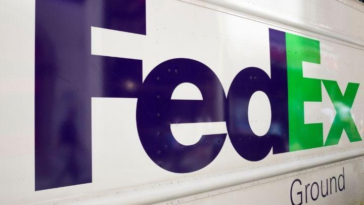 FedEx SWOT Analysis